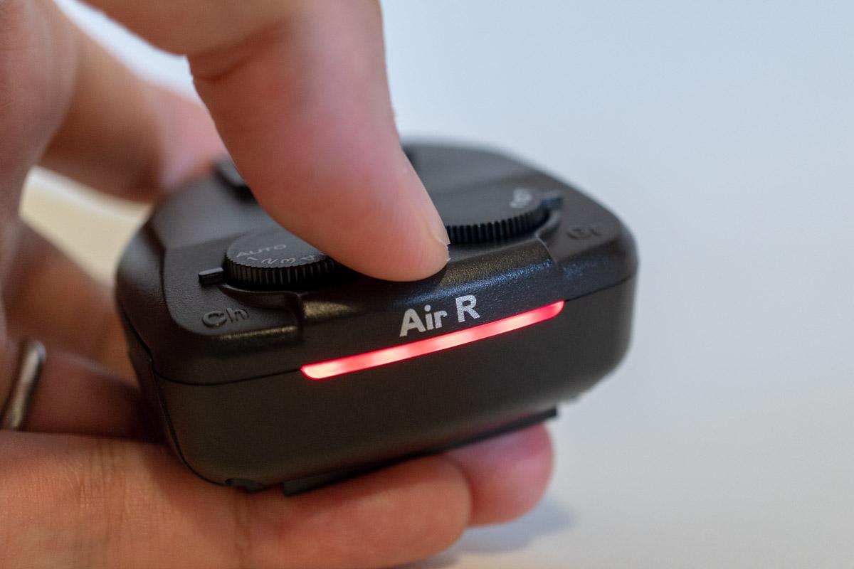 ペアリング方法② - 電源長押し(AirR)