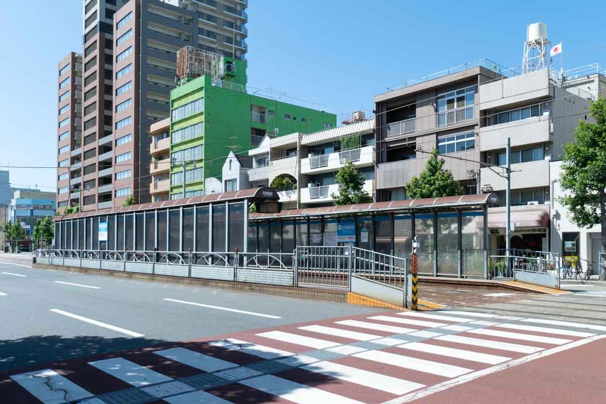 日赤病院前の駅の風景1