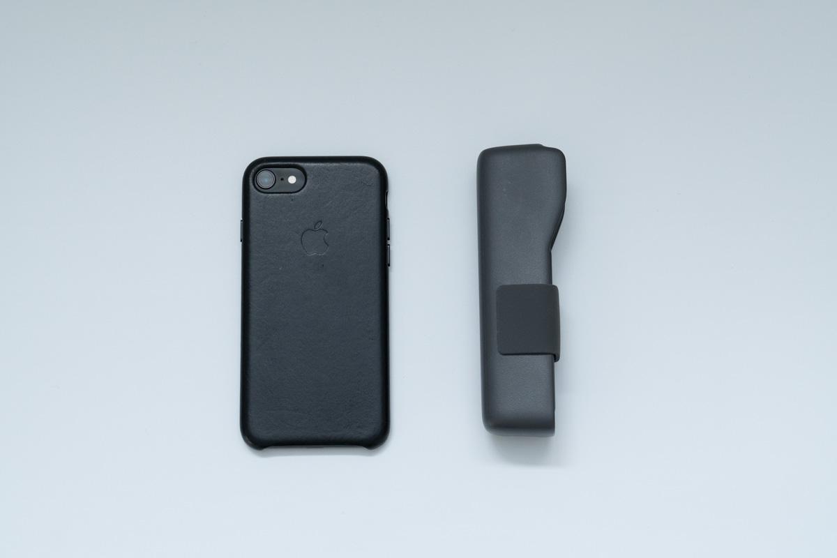 DJI OSMO PocketとiPhone8を並べた