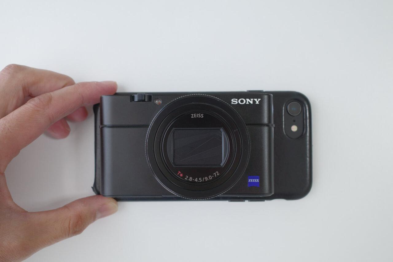 RX100M6とiPhone8の大きさ比較写真
